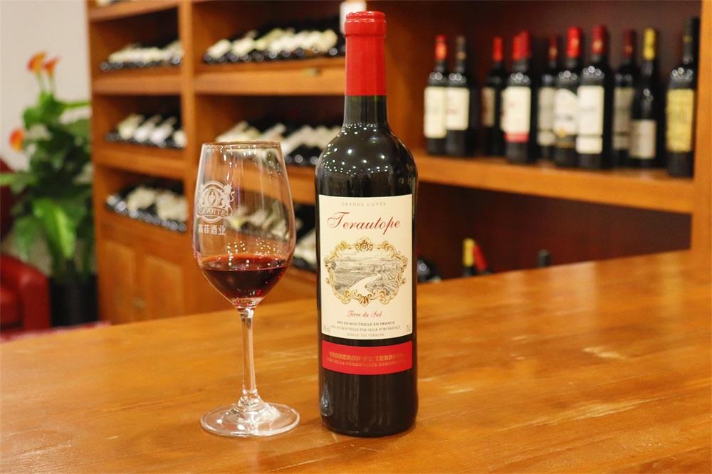 做法国红酒代理生意赚不赚钱