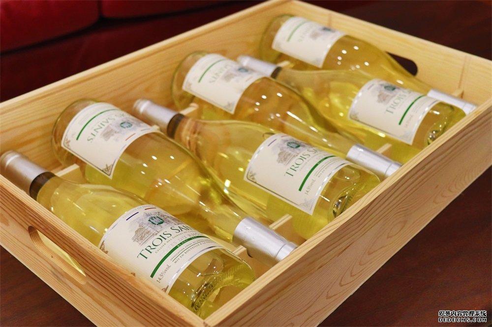 做<a href='http://www.yosoho.cn/' target='_blank'><u>红酒加盟</u></a>生意需多少资金